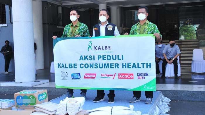 Kalbe Farma Dukung Pemkot Surabaya Tangani Covid-19 dengan Serahkan Donasi Vitamin
