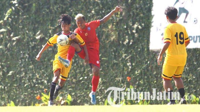 Supaya 'Feeling Ball' Tak Hilang, Pelatih dan Pemain Arema FC di Kabupaten Malang Latihan Bersama