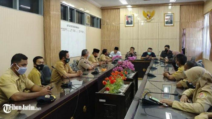 'Teriak' Ribuan Perangkat Desa di Jember Wadul ke DPRD: 5 Bulan - Jelang Lebaran 2021 Belum Gajian