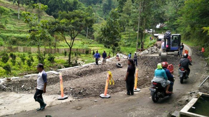 Perbaikan Jalur Putus Penghubung Kabupaten Malang dan Kabupaten Kediri Rampung 60 Persen