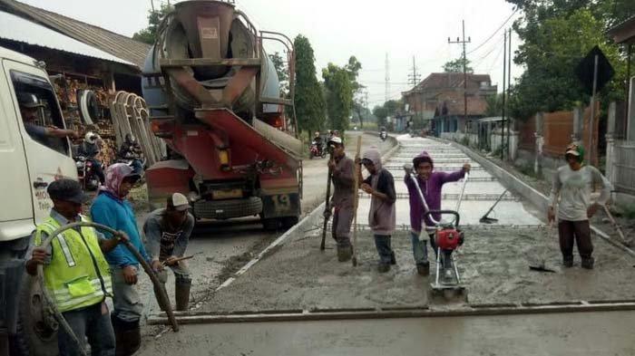 Bupati Mas Dhito Segera Tuntaskan Program Perbaikan Jalan 'Jeglongan Sewu' Penghubung Kediri-Blitar