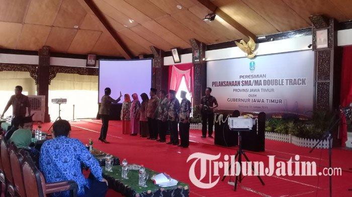 Gubernur Jatim Soekarwo Resmikan Program Double Track SMA dan MA di Kabupaten Sampang Hari Ini