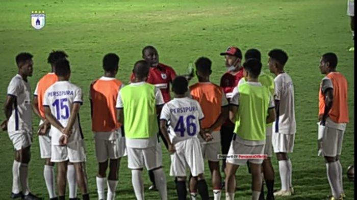 Persiapan AFC Cup, Persipura Jayapura Geber Latihan di Surabaya, Jacksen F Tiago Agendakan Uji Coba