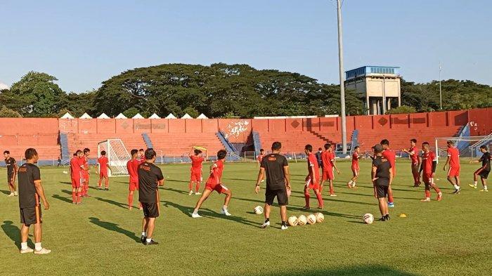 Gelar Latihan Perdana di Bulan Ramadan, Pelatih Persik Kediri Fokus Kembalikan Kondisi Fisik Pemain