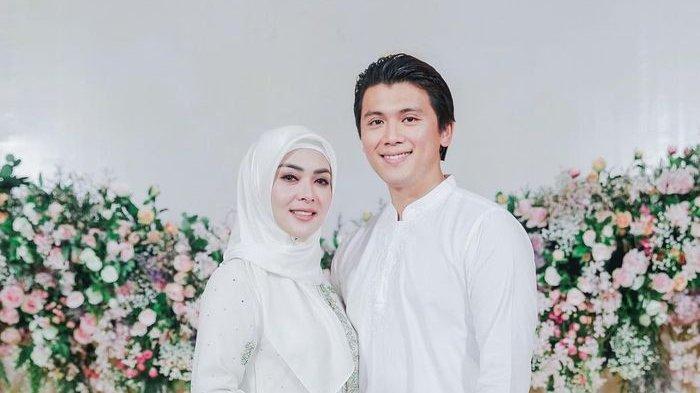Syahrini Kerap Dihujani Nyinyiran Netizen, Reino Barack Merasa Kasihan Pada Sang Istri: Tolong Lah