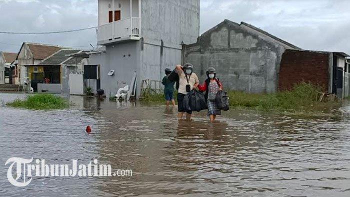 Perum Kwadungan Kediri Terendam Banjir 30-40 Cm, Warga Harap Perbaikan Saluran Irigasi