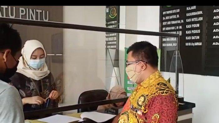 Perwakilan Warga Desa di Nganjuk Adukan Dugaan Pemotongan BST Covid-19 Ke Kejari