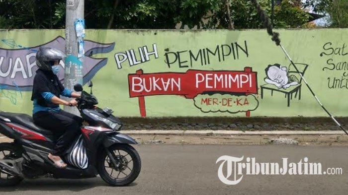 Gandeng Seniman Bikin Mural Sosialisasi Pilkada, KPU Trenggalek Ajak 'Pilih Sesuai Hati Nurani'