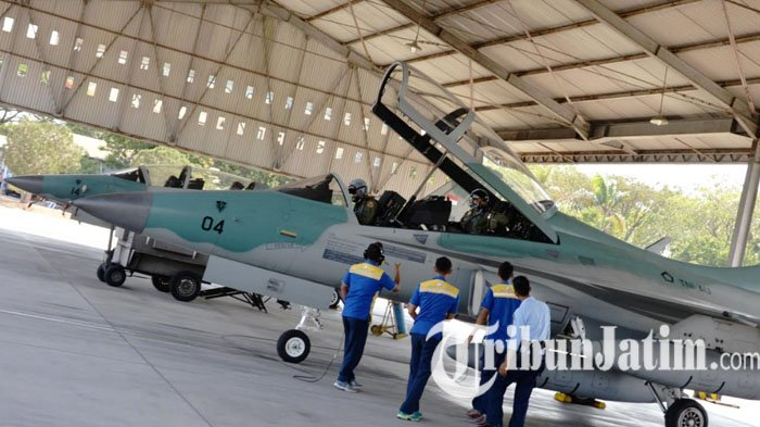 Pesawat T-50 Golden Eagle Tergelincir saat Latihan, Dua Pilot Dibawa ke RS AU di Yogyakarta
