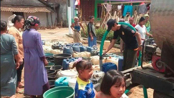 20 Kecamatan di Bojonegoro Masih Dilanda Kekeringan, BPBD Kirim Air Bersih ke Wilayah Terdampak