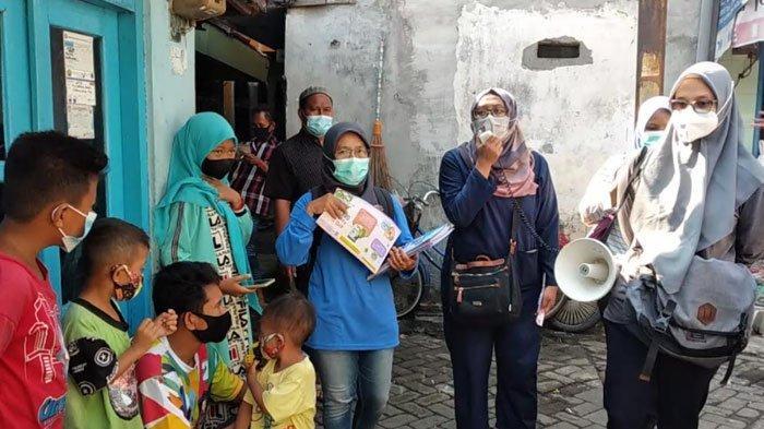 Kelurahan Pacar Kembang Surabaya Gelar Sosialisasi Covid-19 dengan Dua Bahasa