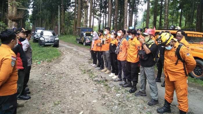 Kakek Samin Hilang Saat Mencari Biji Kopi di Hutan Cungkup Malang, Petugas Terus Lakukan Pencarian