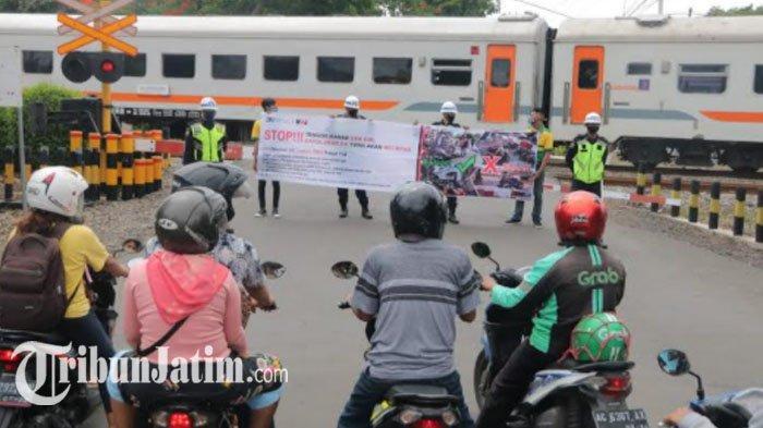 Perjalanan Kereta Api Semakin Padat, KAI Sosialisasi Keselamatan di Perlintatasan KA Wilayah Nganjuk