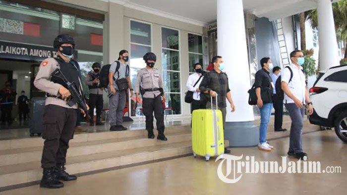 KPK Kembali Geledah Balaikota Among Tani, Ruang Wali Kota Batu Juga Digeledah