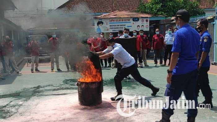 Pasca Kebakaran di LP Tangerang, Petugas Lapas Kelas IIB Blitar Dilatih Penanggulangan Kebakaran