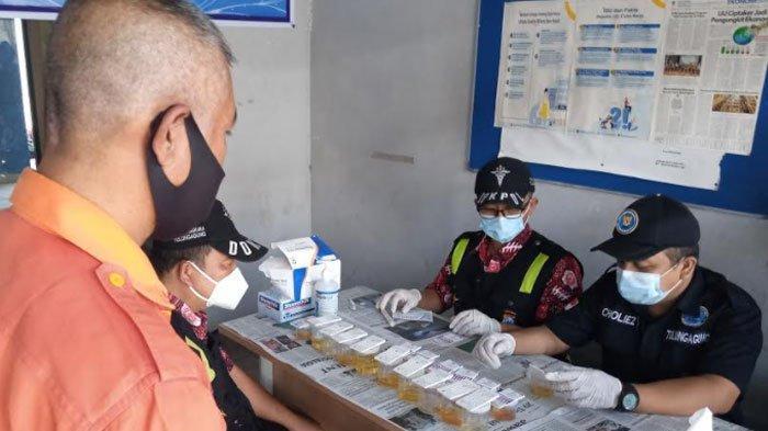 Buntut 4 Sopir AKAP Pesta Sabu, Awak Bus Penumpang Umum di Terminal Tulungagung Jalani Tes Urine