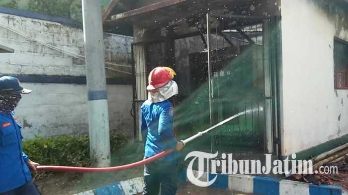 Rumah Penyimpanan Genset di Kantor Pemkab Sampang Terbakar, Diduga Akibat Korsleting