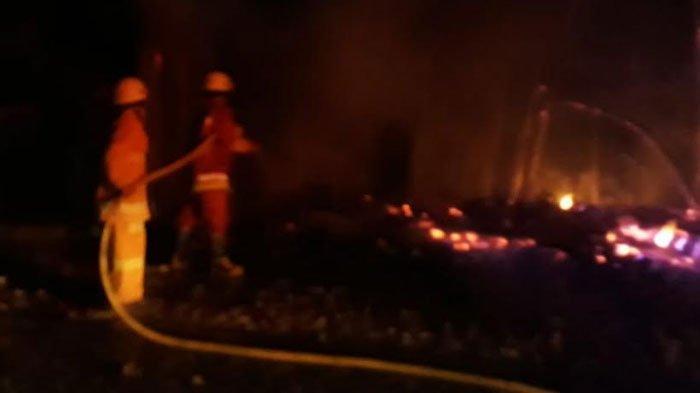 Warung dan Tempat Jahit Pakaian di Bojonegoro Ludes Terbakar, Kerugian Ditaksir Puluhan Juta Rupiah