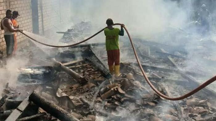 Rumah di Tuban Ludes Terbakar hingga Hewan Ternak Ikut Terpanggang, Dipicu Api Tungku