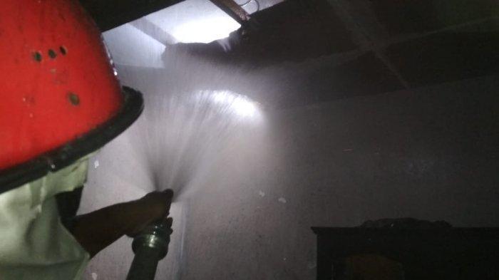 Akibat Korsleting Listrik, Kamar Tidur Rumah Warga Kota Malang Terbakar