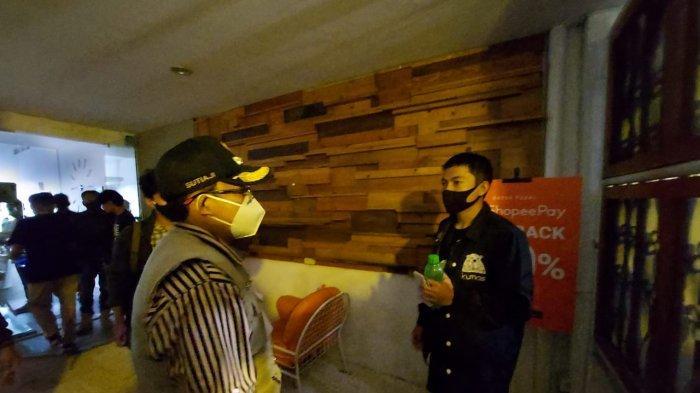 Melanggar PPKM, Satu Kafe Di Bukirsari Malang Disegel Petugas