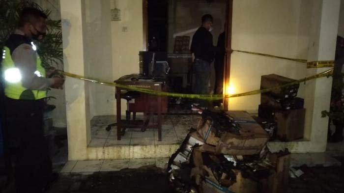 Gudang Penyimpanan Alat Kontrasepsi Milik Kabupaten Madiun Terbakar, Diduga Korsleting Listrik