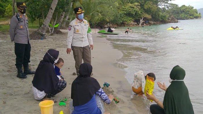 Tertinggi Selama Pandemi, Wisata Pantai di Trenggalek Ramai Dikunjungi saat Libur Lebaran