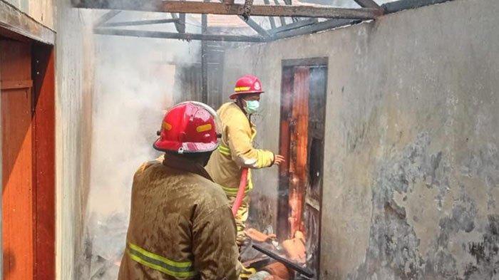 Rumah Warga Trenggalek Jadi Langganan Kebakaran, Petugas Damkar: Ini Sudah Tiga Kali