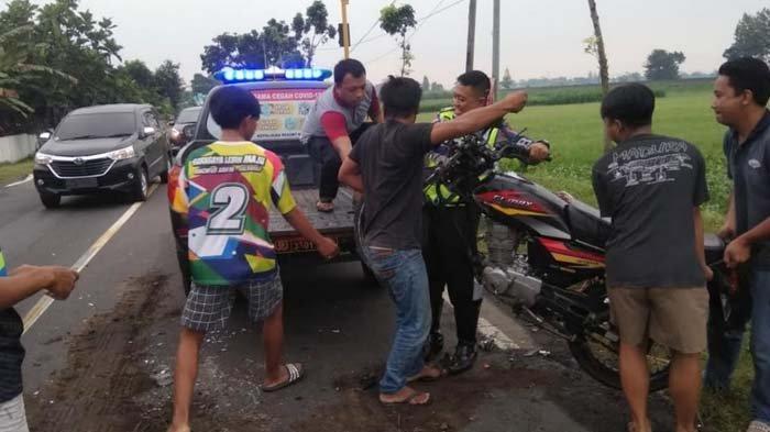 Hendak Menyalip Bus, Warga Nganjuk Terlibat Adu Banteng dengan Dump Truk di Kediri, Tewas di Lokasi