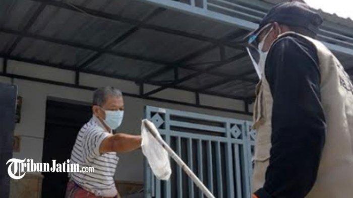Satgas PPKM Mikro Kelurahan di Kota Kediri Patroli Rumah, Pastikan Kesehatan Warga Isolasi Mandiri