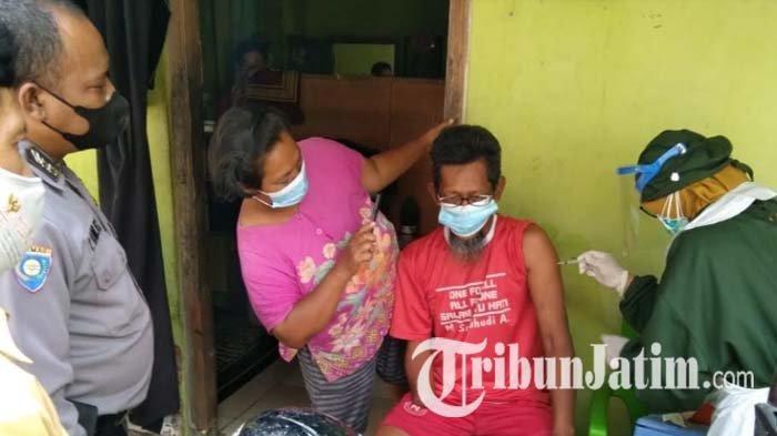 Satgas Gelar Vaksinasi Covid-19 Door to Door untuk Penyandang Disabilitas di Kota Blitar