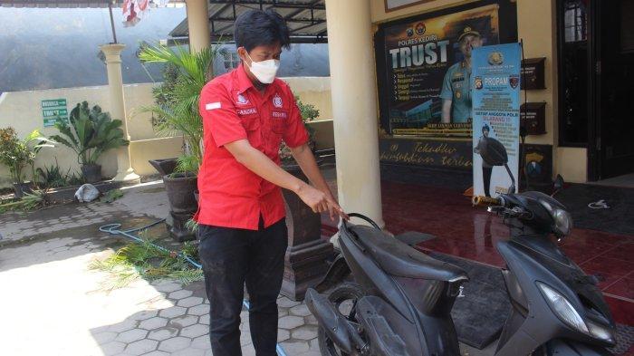 Tukar Motor Butut dengan yang Bagus, Maling Motor di Kras Kediri Ini Viral di Media Sosial