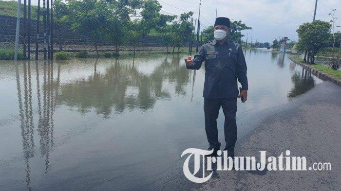 Pemkab Sidoarjo Kerahkan Tujuh Pompa untuk Atasi Banjir di Jalan Raya Porong