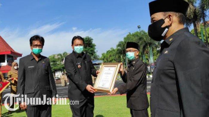 Kota Blitar Raih Penghargaan Sanitasi Total Berbasis Masyarakat dan Kelompok Budaya Kerja