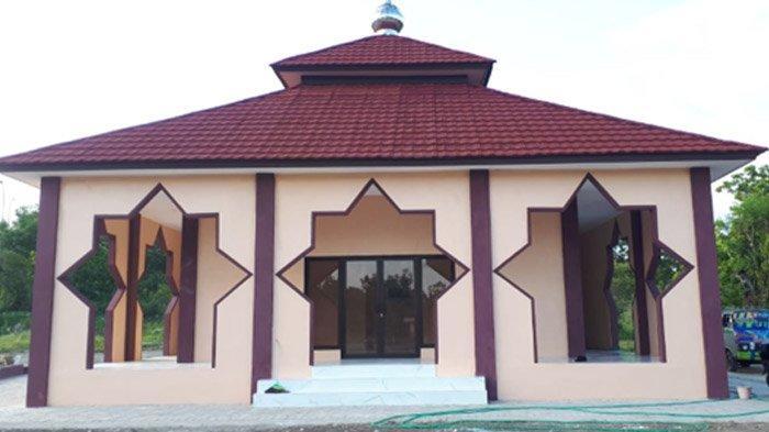 PLN beri bantuan masjid di Sentra IKM Bangkalan, 2020.