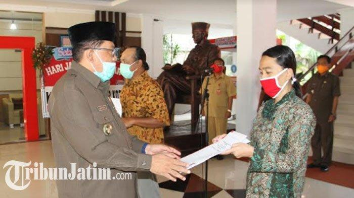 Pemkot Blitar Beri Bantuan Uang Tunai hingga Rp 2,5 Juta untuk Warga Terdampak Angin Puting Beliung