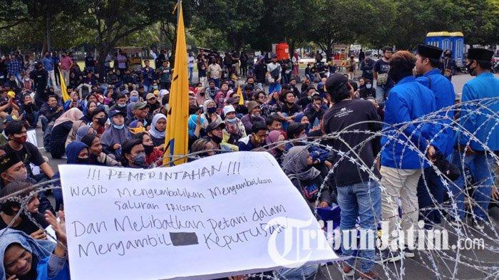 BREAKING NEWS: PMII Gelar Aksi Unjuk Rasa Tuntut Pengembalian Saluran Irigasi Sekunder Puger