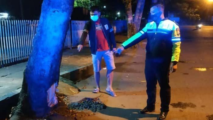 Ngebut di Waktu Sahur, Dua Pemuda Tulungagung Tabrak Pohon, Tewas Tergeletak di Jalan