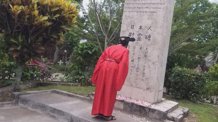 Tabur Bunga di Tugu Jepang Malang Lewat Ritual Hono Omaku