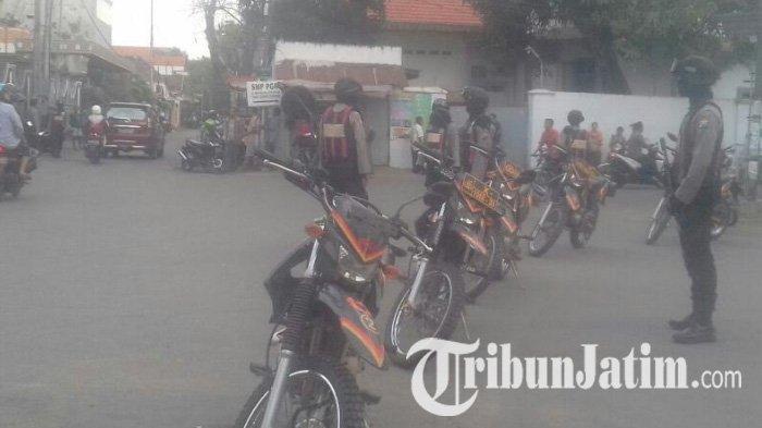 BREAKING NEWS - Paska Aksi Teror Bom Bangil, Polisi Geledah Sebuah Rumah di Pasuruan