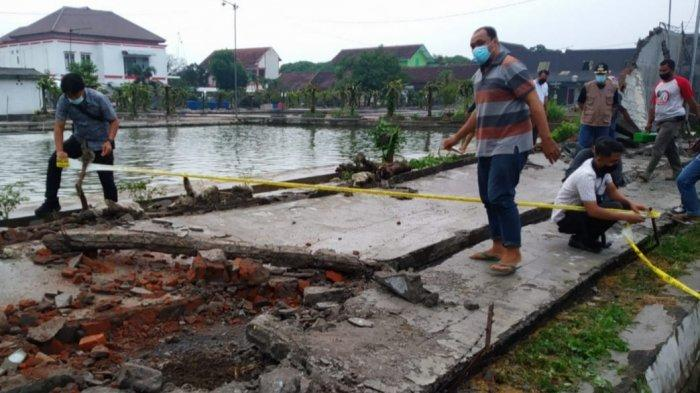 Bermain Hujan-hujanan, Bocah 10 Tahun Tewas Tertimpa Tembok Pagar Milik Balai Benih Ikan Kota Blitar