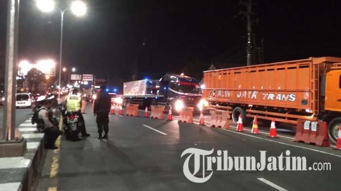 PPKM Darurat, Akses Jalan Menuju Kota Malang Ditutup, Pengendara Keluhkan Jalanan Macet