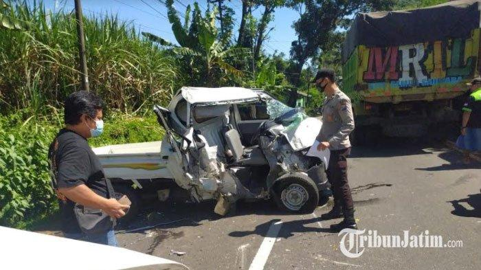 Kendaraan Dinas Kota Jember Terlibat Kecelakaan di Jalur Tengkorak Lumajang-Probolinggo