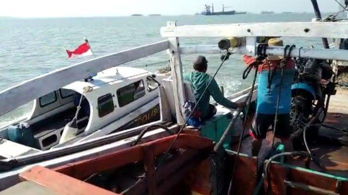 Tangkap Ikan Pakai Jaring Trawl, Nelayan Asal Lamongan Ditangkap Satpolairud Polres Gresik
