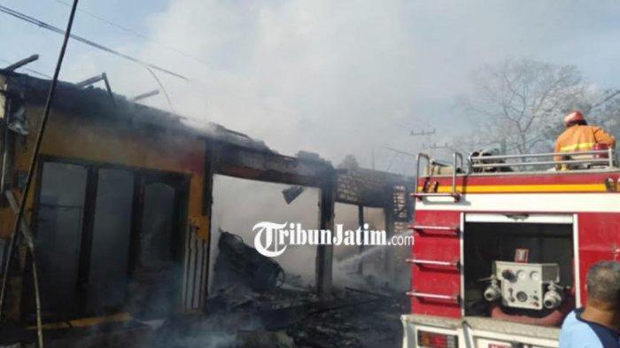 Pom Mini Terbakar di Sumenep Diduga Ditinggal Pemilik Saat Mengisi Bensin