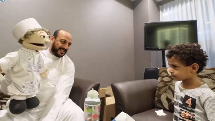Potret kebersamaan mendiang Syekh Ali Jaber dengan Fahad putra keduanya.
