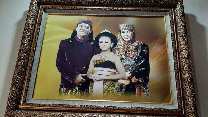Potret Keluarga Didi Kempot di Ngawi, Sang Maestro Campursari Tinggalkan Istri dan Anak Perempuannya