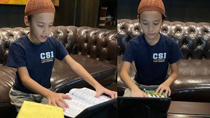 Potret Noah Sinclair di Rumah Selama Corona, Ibunda BCL Unggah Momen Putra Ashraf Belajar Mengaji