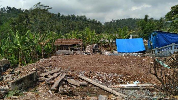 Pembersihan Reruntuhan Bangunan Gempa Malang Mendekati Rampung
