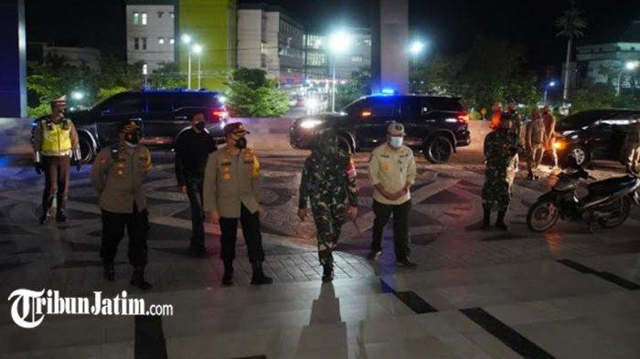 PPKM Darurat di Gresik, AKBP Arief Fitrianto Pelopori Gerakan 'Jangan Kemana-mana, Nang Omah Wae'
